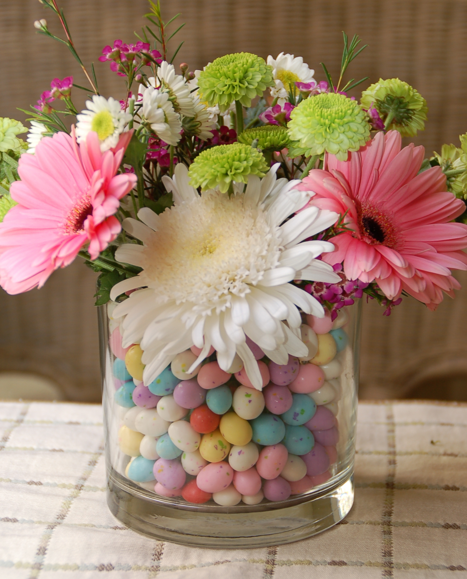 Easter flowers in a malted egg vase a scrumptious life easter egg flowers reviewsmspy