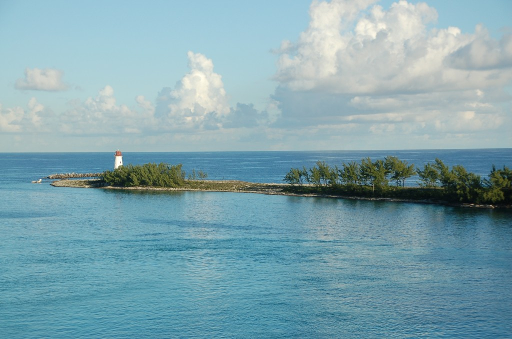 Bahama Lighthouse - from ascrumptiouslife.com