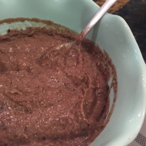 Homemade Black Bean Hummus from ascrumptiouslife.com